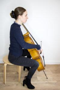 Assise du violoncelliste